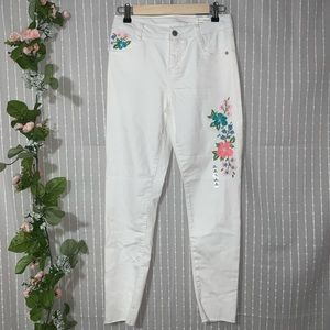 Arizona Floral Embroidered Raw Hem Jeans